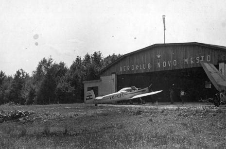 hangar staro 2